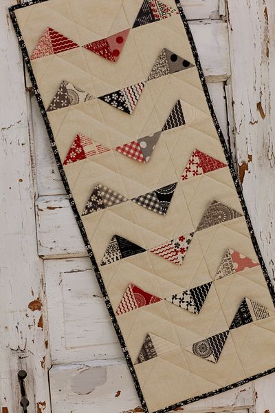 Tn_sweetwater table runner